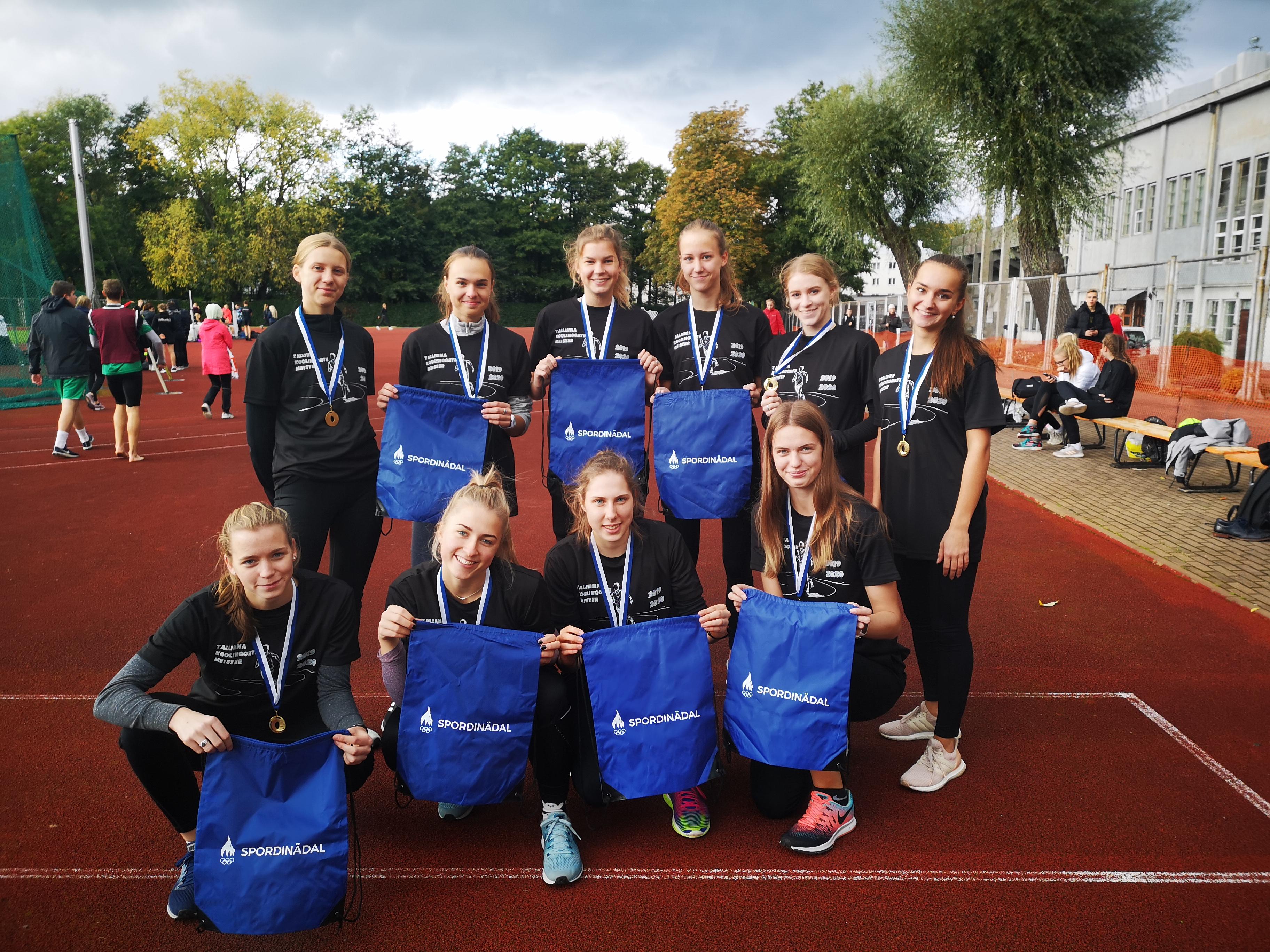 Kulda ja hõbedat Tallinna Koolinoorte spordiaasta esimeselt võistluselt teatejooksus