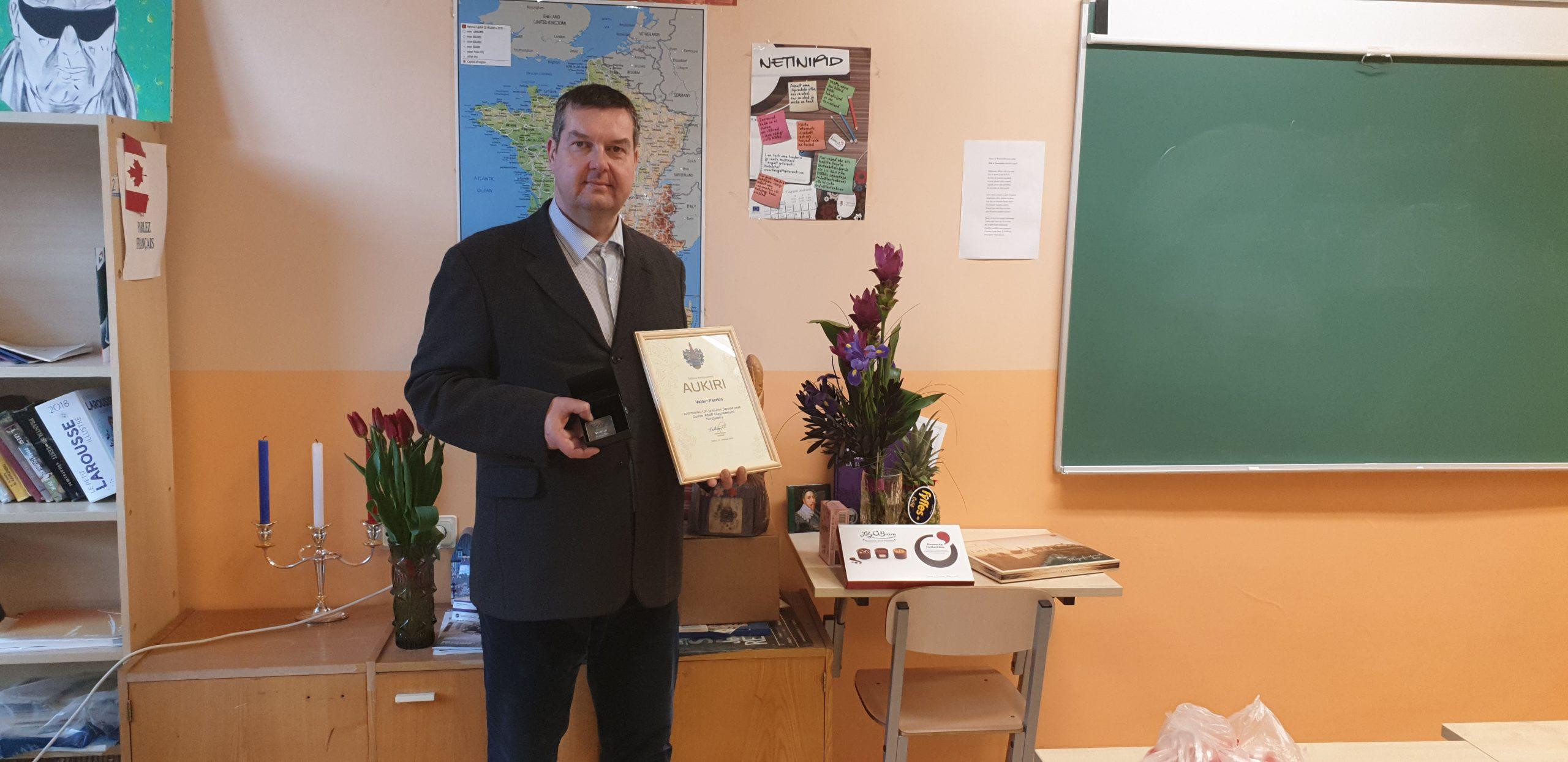 Read more about the article Õpetaja Valdur Parašin pälvis tunnustuse