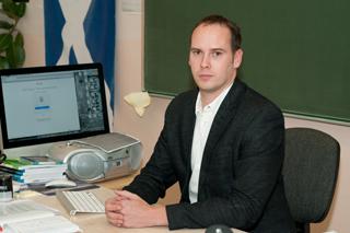 Gustav Adolfi Sihtasutuse tänufondi stipendiumi laureaat 2021 on inglise keele õpetaja Kristjan Salum